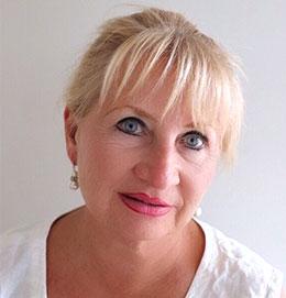 Robyn Lea, Founder